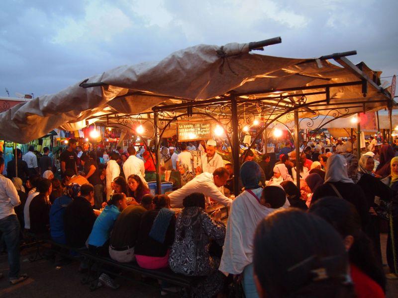 Morocco-Marrakech-Medina-Jemaa-el-Fnaa-food-vendor-2